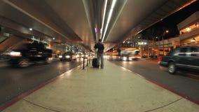 Le trafic à l'aéroport de LAX banque de vidéos