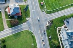Le trafic à l'antenne d'intersection Photographie stock