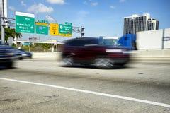 Le trafic à Miami, la Floride image libre de droits