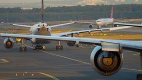 Le trafic d'aéroport de Francfort clips vidéos