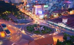 Le trafic de l'Asie, rond point, marché de Ben Thanh image libre de droits