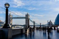 Le trafic de pont de tour Photos libres de droits