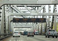 Le trafic de pont de péage photos libres de droits