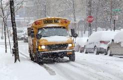 Le trafic de rue pendant la tempête de neige à New York Photos libres de droits