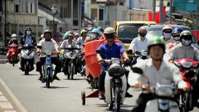 Le trafic de vélomoteur Ho Chi Minh City Daytime - au Vietnam du centre clips vidéos