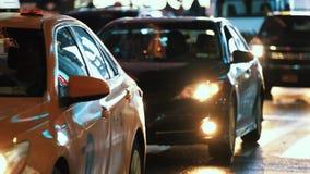 Le trafic de voiture lent New York la nuit clips vidéos