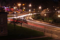 Le trafic de York la nuit Images stock