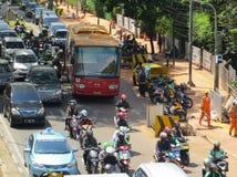 Le trafic encombré à Jakarta images libres de droits