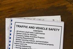 Le trafic et sécurité au volant Photographie stock libre de droits