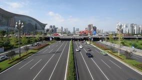 Le trafic sur l'avenue de Tianfu à Chengdu clips vidéos