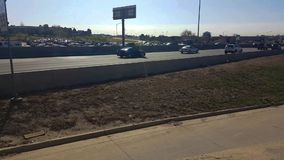 Le trafic sur la route 125 à Denver banque de vidéos