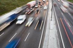 Le trafic sur la route Photographie stock libre de droits
