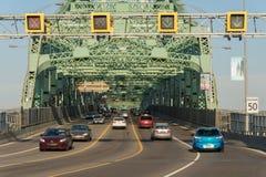 Le trafic sur le pont de Jacques Cartier photographie stock libre de droits
