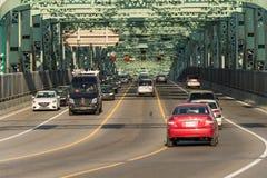 Le trafic sur le pont de Jacques Cartier images libres de droits