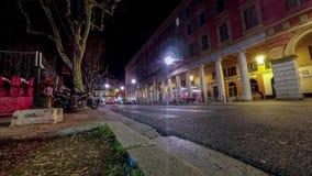 Le trafic Timelapse de nuit de la ville typique de l'Europe banque de vidéos