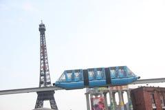 Le train de lumière-rail dans Windows du monde NANSHAN SHENZHEN CHINE AISA Photo stock