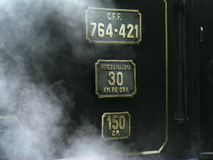 Le train de vapeur de mocanita le plus bien connu fonctionne dans la vallée de Vaser dans le comté de Maramures dans le nord de l photo libre de droits