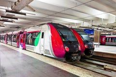 Le train de voyageurs rapide moderne Images libres de droits