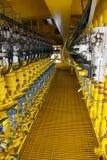 Le transmetteur de pression en pétrole et gaz traitent, envoient le signal à la pression de contrôleur et de lecture dans le syst Photo libre de droits