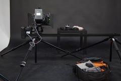 Le travail d'une caméra vidéo dans le studio Photos libres de droits