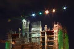 Le travail de construction la nuit Image stock