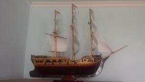 Le travail impair de voilier en bois modèle photos stock