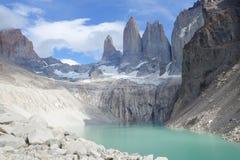 Le tre torrette alla sosta nazionale del Torres del Paine, Patagonia immagine stock libera da diritti