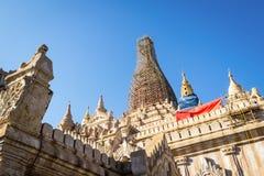 Le tremblement de terre affecté au temple d'Ananda pour être rénovent Photographie stock libre de droits