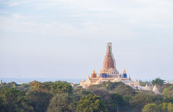 Le tremblement de terre a affecté au temple en Bagan Myanmar, pour être rénovent Images stock