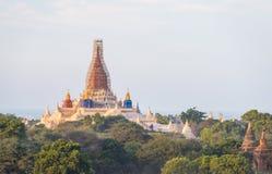 Le tremblement de terre a affecté au temple en Bagan Myanmar, pour être rénovent Photographie stock libre de droits