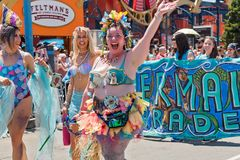 Le trente-sixième défilé annuel de sirène Images stock