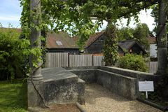 Le triclinium dans les jardins de Fishbourne Roman Palace images libres de droits