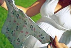 Le tricot d'un bébé Image libre de droits