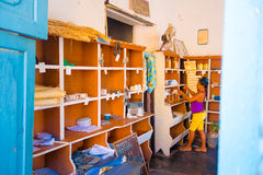 LE TRINIDAD, CUBA - 5 SEPTEMBRE 2015 : Magasin de gouvernement Photo stock