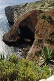 Le trou bleu sur l'île de la Madère est une attraction touristique célèbre photos libres de droits