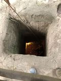 Le tunnel a attiré dans un guet-apens des soldats au Vietnam images libres de droits
