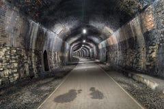 Le tunnel de pierre tombale dans Derbshire Photographie stock