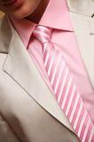 Le type de l'homme. procès, chemise et cravate avec rayé Photographie stock