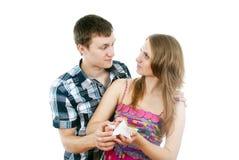 Le type a donné à la fille une étoile Photos libres de droits