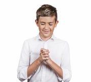 Le type heureux beau, fabrication d'adolescent m'appellent signe de geste avec la main Image libre de droits