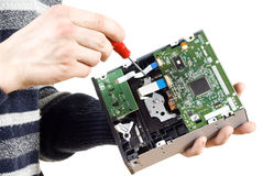 Le type la réparation du lecteur CD Images libres de droits