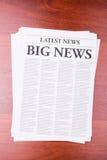 Le ULTIME NOTIZIE del giornale fotografia stock