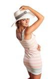 Le ung kvinna som slitage en hatt Royaltyfria Bilder