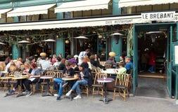 Le Uroczysty Kawiarnia Brebant jest legendarnym i sławnym brasserie lokalizować na grands boulevards w Paryż, Francja obrazy royalty free