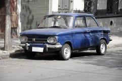 Le véhicule bleu de cru photo libre de droits