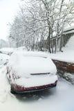 Le véhicule dans la neige Images libres de droits