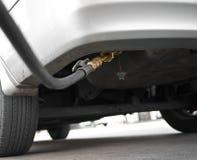 Le véhicule LPG réapprovisionnent en combustible Photo libre de droits