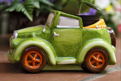 Le véhicule vert Photos libres de droits