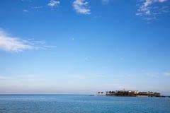 Le vacanze estive ricorrono sulla spiaggia Immagine Stock Libera da Diritti