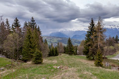 Le Valais ; nuages ; montagne ; Alpes Image stock